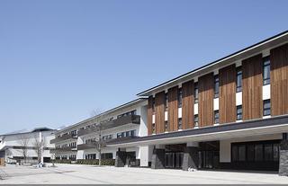 軽井沢中学校校舎
